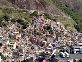 [click to enlarge image of Rocinha]